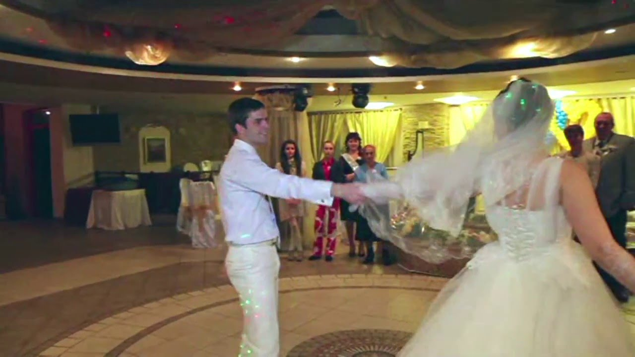 знакомство молодых на свадьбе