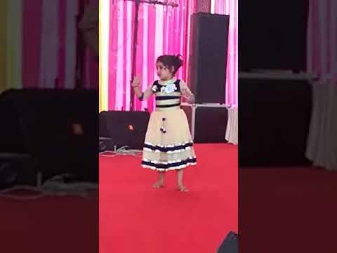 Cute performance on radha Teri chunri