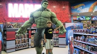 Giant Hulk - Best Toys Shopping Spot - The Toy Store