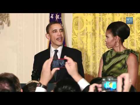 Obama: Don't Get Between Michelle & A Tamale