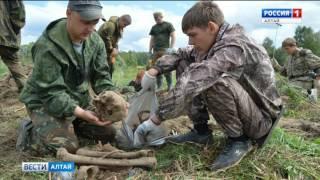 В Смоленской области поисковики подняли останки двух алтайских солдат ВОВ