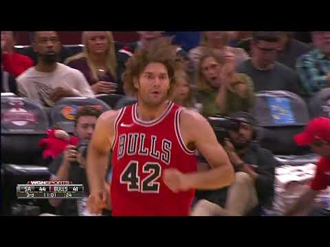 Robin Lopez hits a Three (Career First Three Point Field Goal)