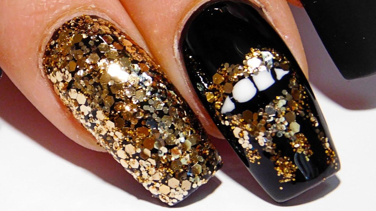 Дизайн губы на ногтях