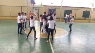 JOGO - Bola ao centro | Canal Vivendo Educação Física