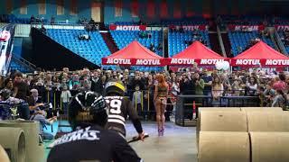 Мототриал в СК Олимпийский на выставке Мотовесна 2018. Опасные трюки.