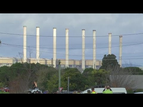 شاهد: هدم 8 مداخن عملاقة في محطة كهرباء تعمل بالفحم في أستراليا…  - نشر قبل 4 ساعة