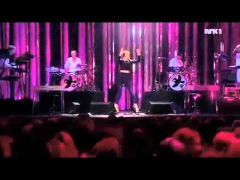 Robyn - Indestructible (Live at Nobel Peace Prize Concert 12/11/2010)