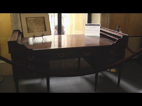 George Washington's Presidential Desk (Replica) In Federal Hall, New York City