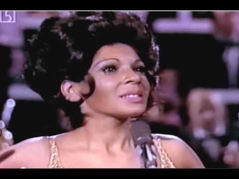 Shirley Bassey - Where Do I Begin (LOVE STORY)(1973 TV Special)