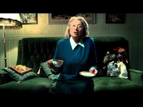 Реклама Dimplex Opti-Myst: Бабка и большая коробка
