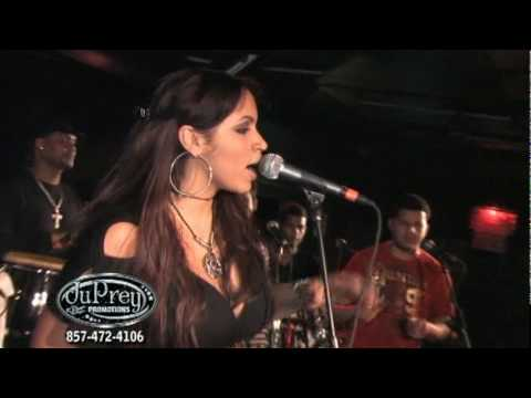 Juliana - Todos Me Miran {Live}