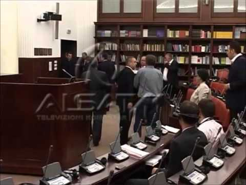 Fight in Macedonian Parliament between Albanian members.