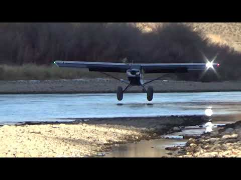 Aviat Aircraft Husky STOL Aircraft: Stream bed Landing
