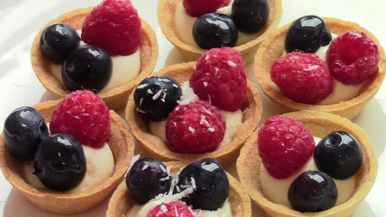 Simple fruit canap s ridiculously easy to make youtube for Canape dessert ideas