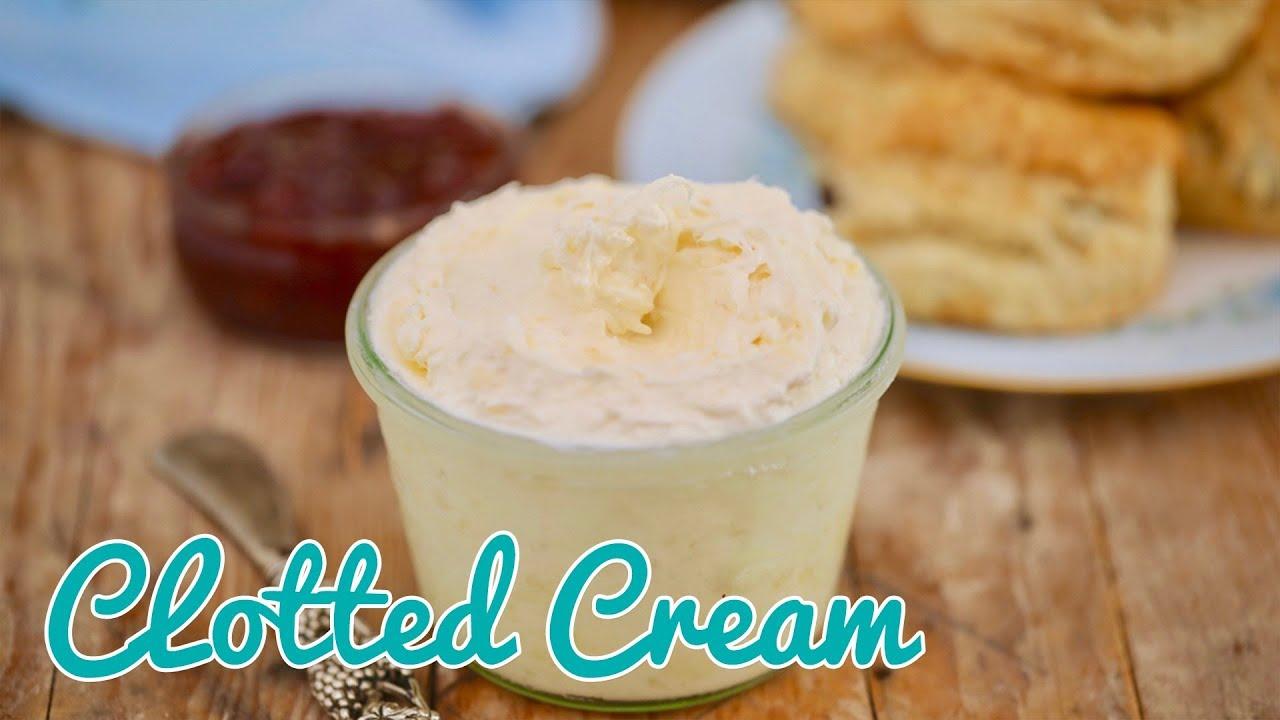 hur gör man clotted cream