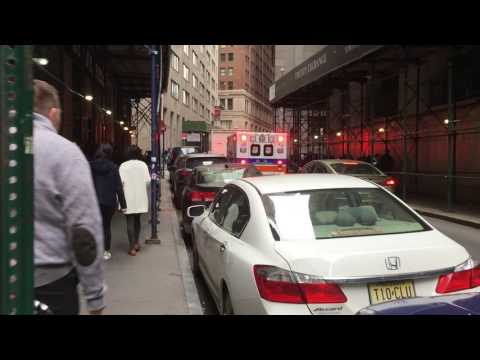 Lower Manhattan: Struggling Ambulance