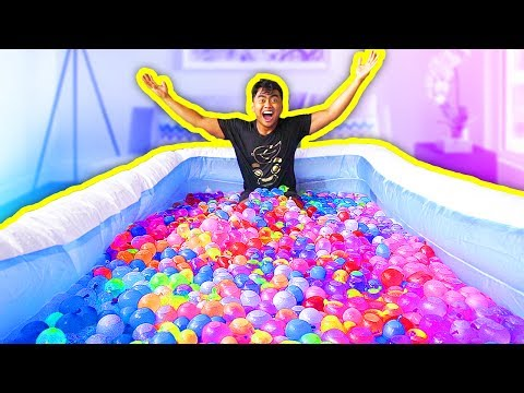 1000 WATER BALLOONS IN A POOL!