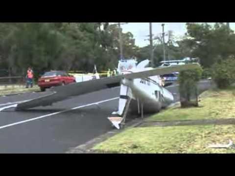 Plane crashes on Sydney street