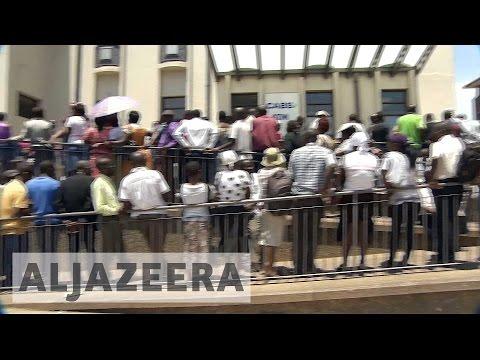 Cash crisis hits Zimbabwe