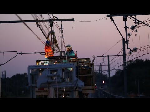 Installation, renewal and maintenance of overhead catenary systems