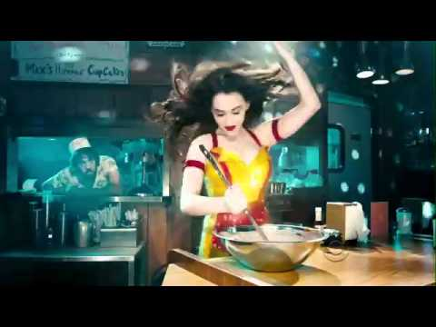 '2 Broke Girls' 2013 Super Bowl Commercial -- What's the Song?