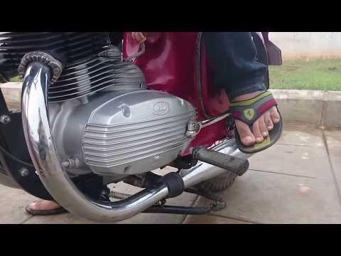 How to Kick Start an old Jawa  Yezdi BIke in a few seconds..
