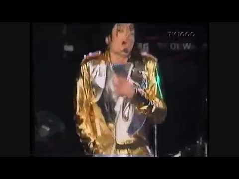 Michael Jackson - Leave Me Alone - Live...