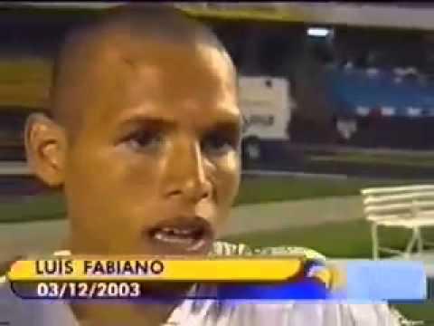 Luís Fabiano  Entre brigar e bater o pênalti, eu prefiro ajudar na briga
