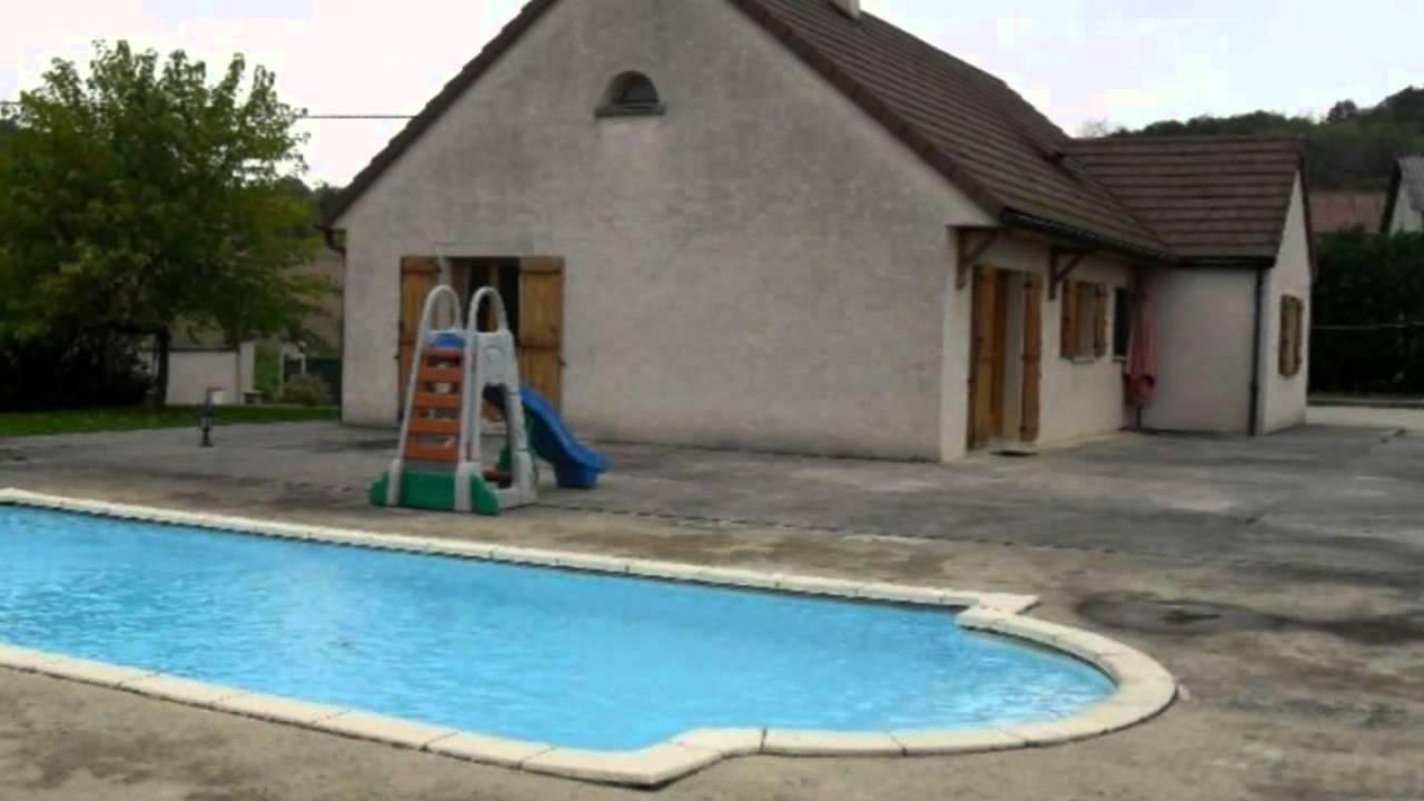 Bletterans maison pavillon jardin terrasse piscine budget for Maison piscine jardin