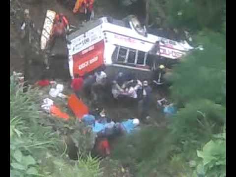 6 Passenger Vehicles >> KILLER BUS in BAGUIO (NAGUILLIAN ROAD) - YouTube