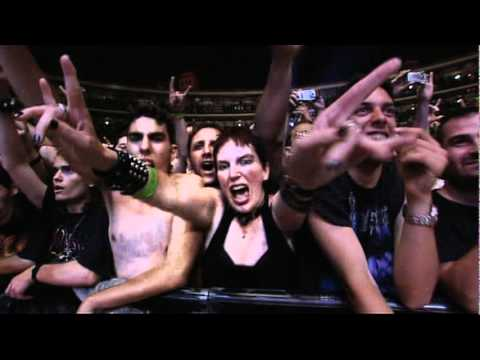 Judas Priest  Breaking The Law  Live  (Reunited 2004)