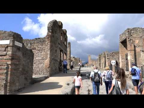 Pompeii Tour of the town destroyed by Mount Vesuvius