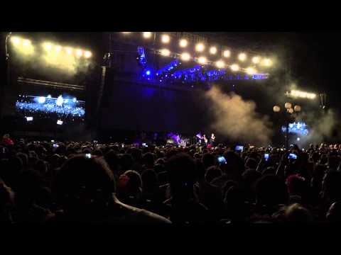 Robbie Williams Let Me Entertain You LUCCA ITALY 2015