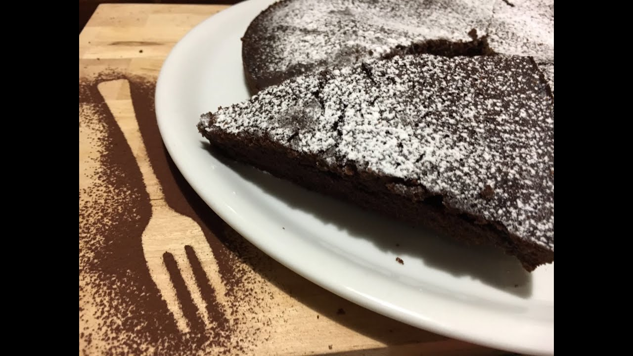 Easy Soft Moist Chocolate Cake