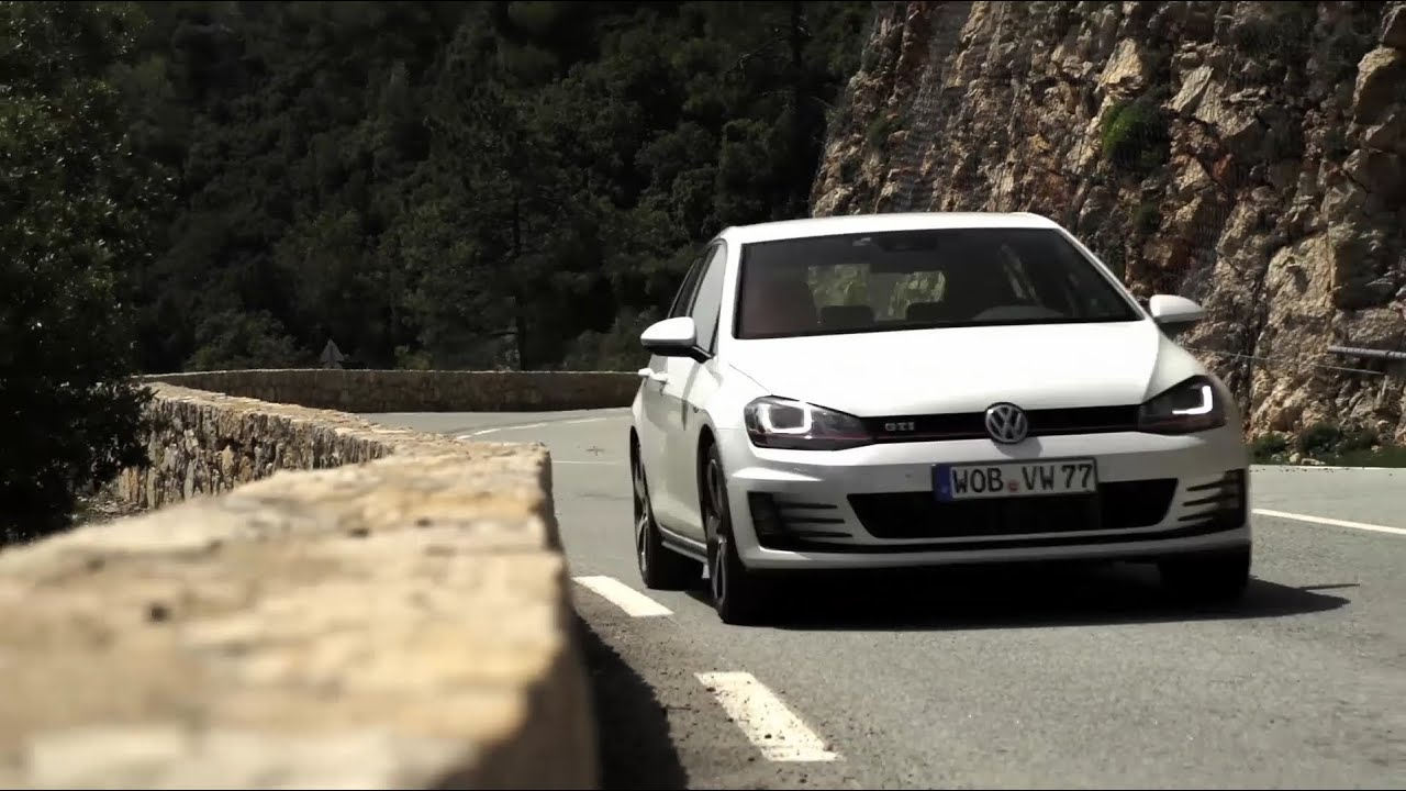 golf gti mk vii road test chris harris on cars youtube. Black Bedroom Furniture Sets. Home Design Ideas