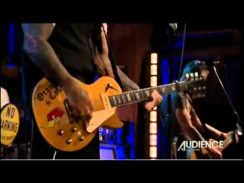 Social Distortion - Bad Luck (Live 2011)