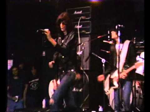 Sheena Is A Punk Rocker - The Ramones - Live CBGB 1977