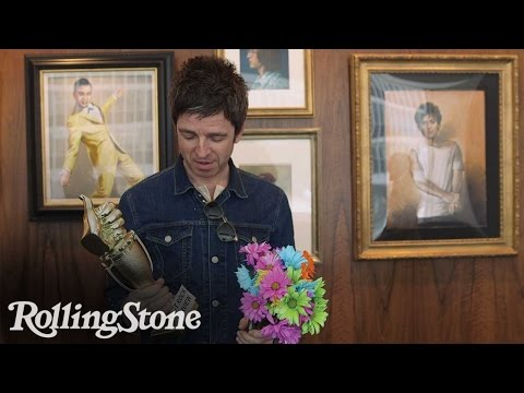 Noel Gallagher Accepts Rolling Stone Award for 'Best Rock Interview'