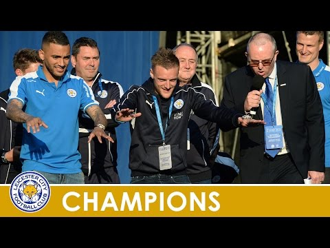 CHAMPIONS PARADE | Jamie Vardy Takes To The Victoria Park Stage