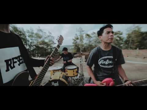 STAND HERE ALONE - Hilang Harapan (OFFICIAL VIDEO)