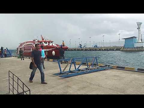 Mv. Express bahari 6e on Kota Baubau