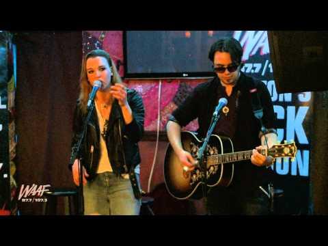 Halestorm performs Dear Daughter (Acoustic)