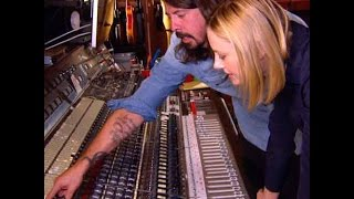 FOO FIGHTERS - Studio Tour