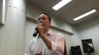 """Nhà thơ Nguyễn Quang Hưng hát """"Khách đến chơi nhà"""""""