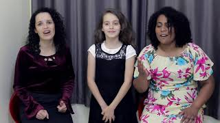 Silvana Souza Vany Magalhães e Vitória.