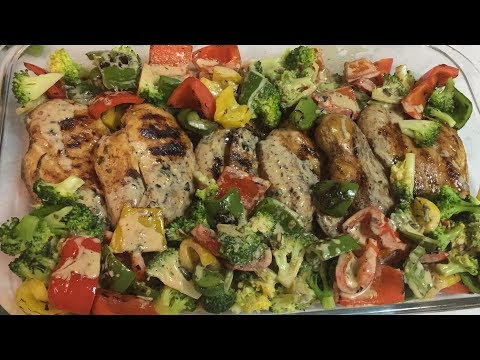GRILLED CHICKEN WITH PEPPERS AND BROCCOLI