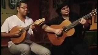 Baixar Yamandu Costa, Hamilton de Holanda, Henrique Cazes e Guinga - Sarau - Parte 2-2