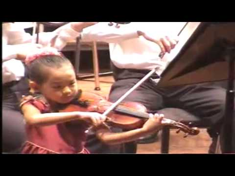 12 Anna Lee 6 years old playing Paganini Violin Concerto
