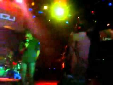 ungu live konser feat deri mohawk