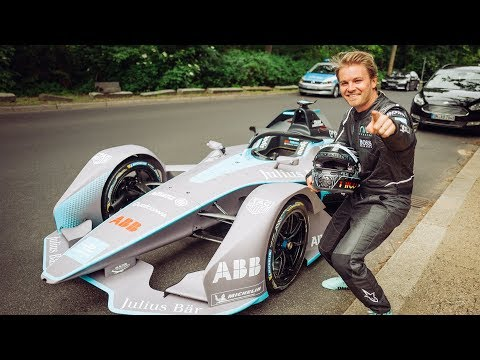 EXTREME RACECAR DONUTS ON THE STREETS OF BERLIN | NICO ROSBERG | eVLOG
